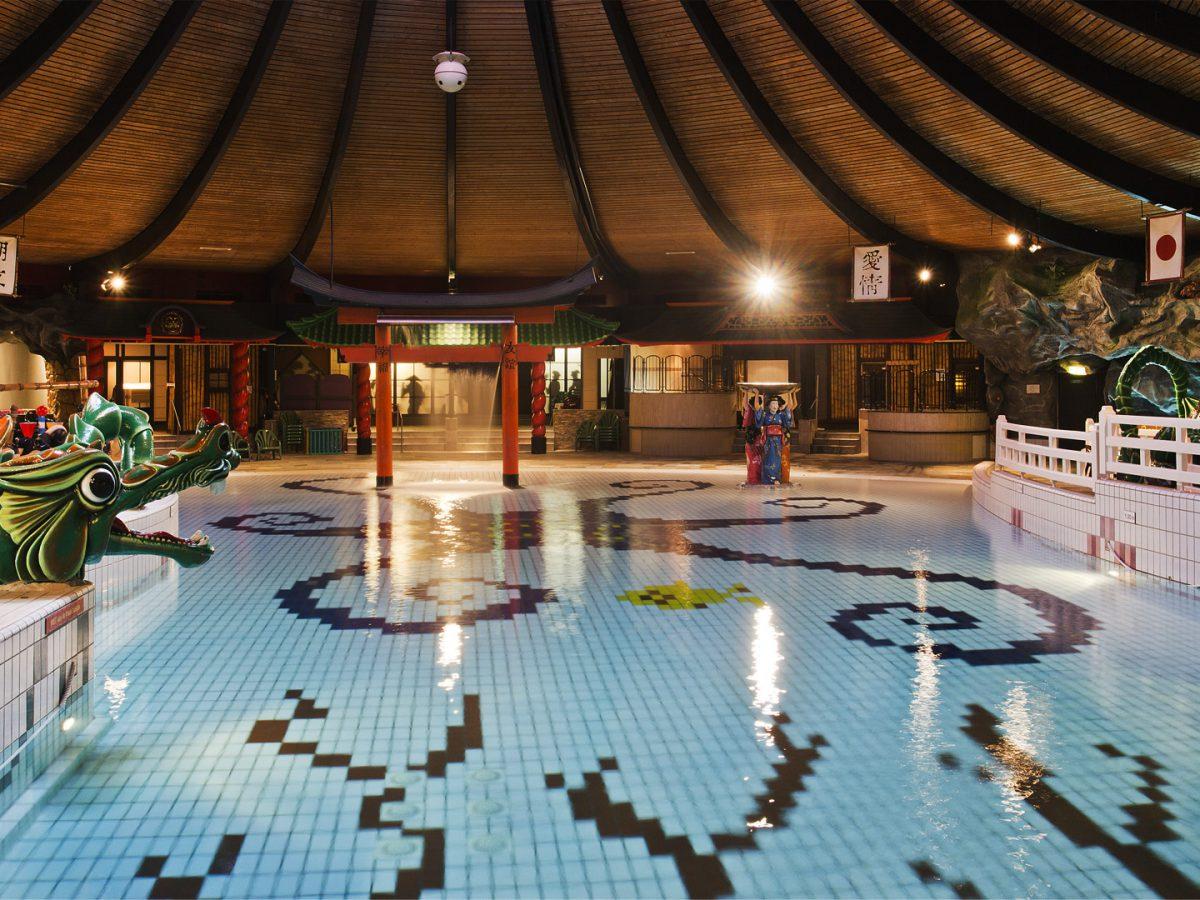 Subtropische zwembaden drenthe! glijbanen en wildwaterbanen!