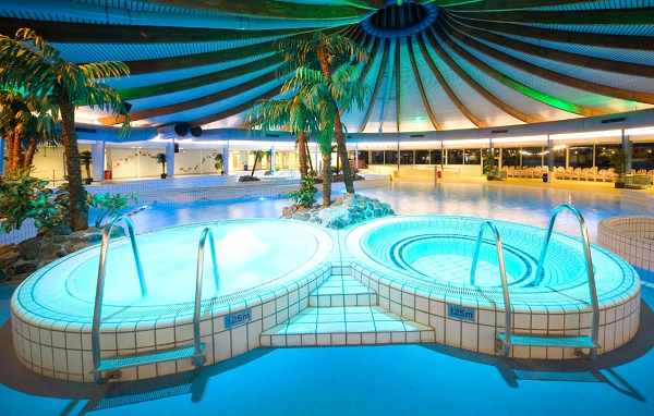 Zwembaden in friesland overzicht van alle zwembaden - Zwarte voering voor zwembad ...